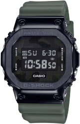 Casio GM-5600B-3E